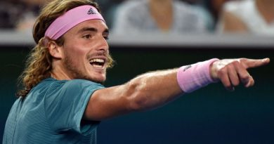 Τσιτσιπάς: Αυστραλιανό Open – Κέρδισε 3-1 σετ τον Φέντερερ