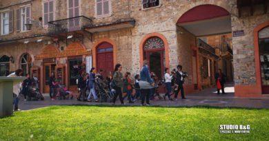 Ναύπλιο: Κάλαντα του Λαζάρου από παιδιά στα σοκάκια της παλιάς πόλης