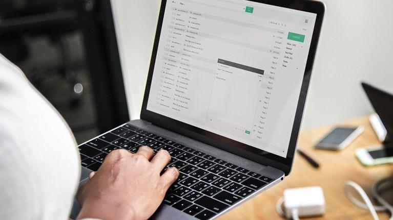 Κορονοϊός: Πώς να αποφύγεις τις online απάτες των ημερών