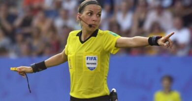 Σφύριξα… κι άρχισες! Πρώτη γυναίκα διαιτητής στο Champions League